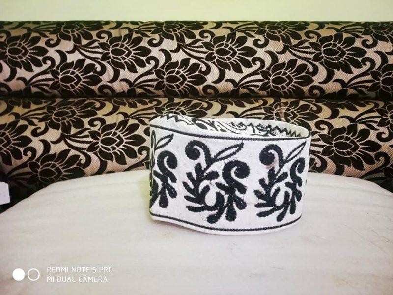 Barkati Topi White Black New Flower Design
