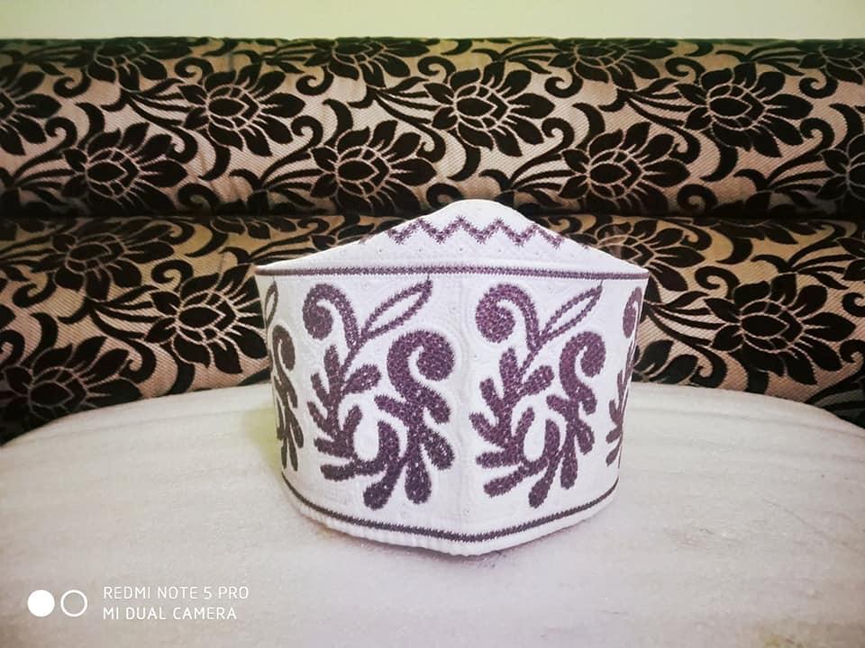 Barkati Topi White Purple New Flower Design