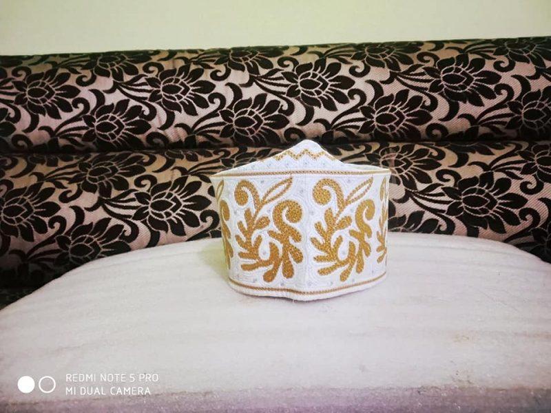 Barkati Topi White Yellow New Flower Design-2