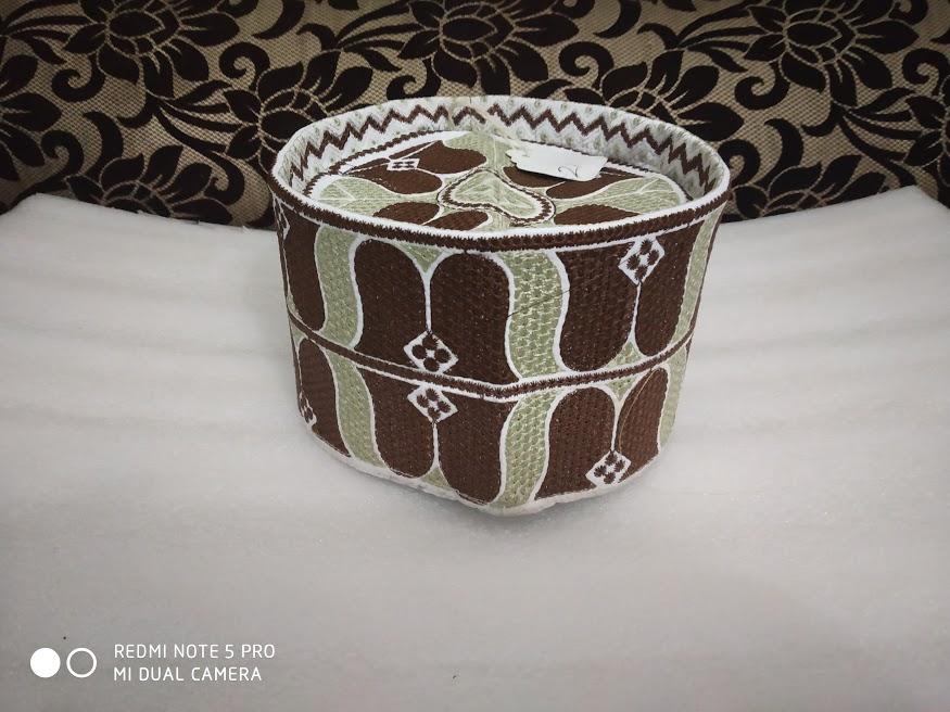 Brown beige Barkati topi
