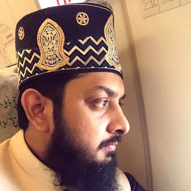 zohaib-ashrafi-naalein-topi