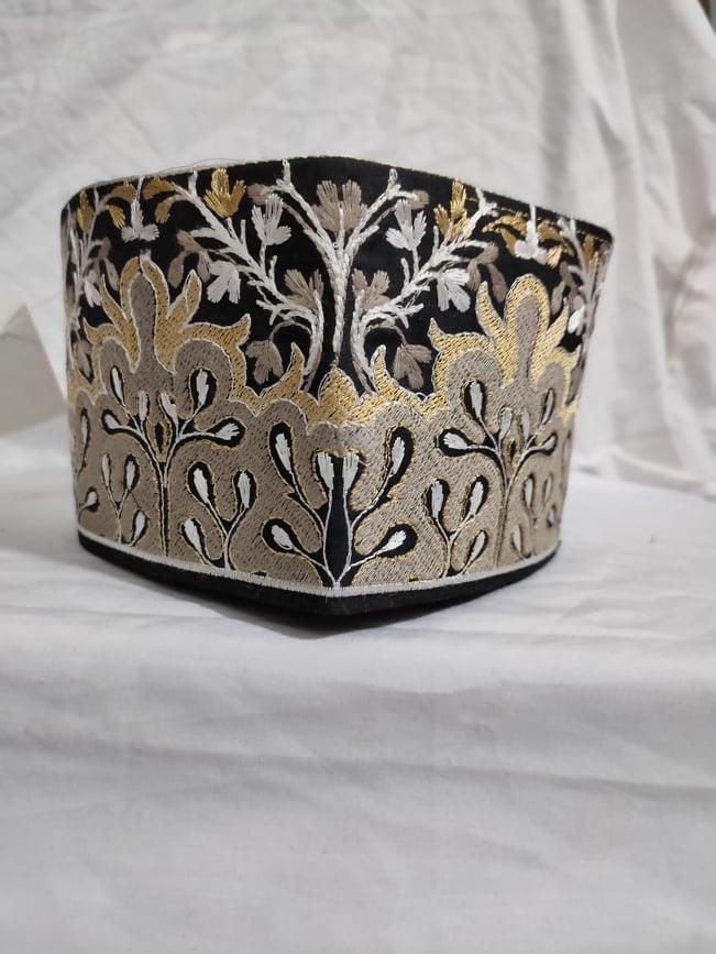 Barkati Golden Black Flower Design