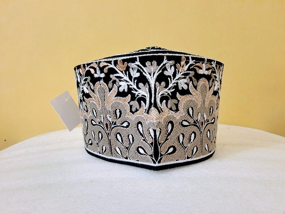 Barkati Grey Golden Topi