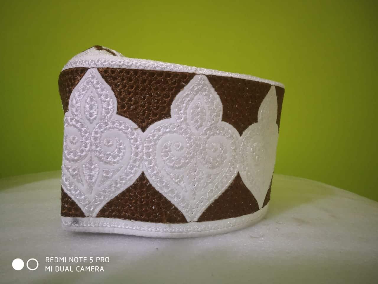 Barkati white Leaf Design Topi