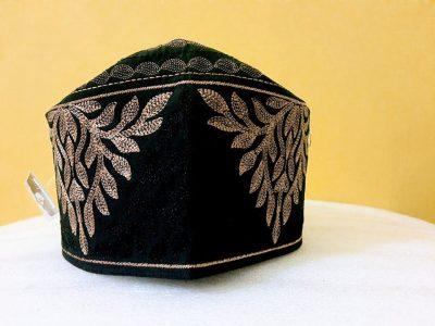 Barkati black golden topi